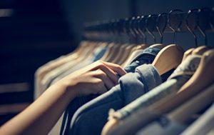 mostrador para tiendas de moda online